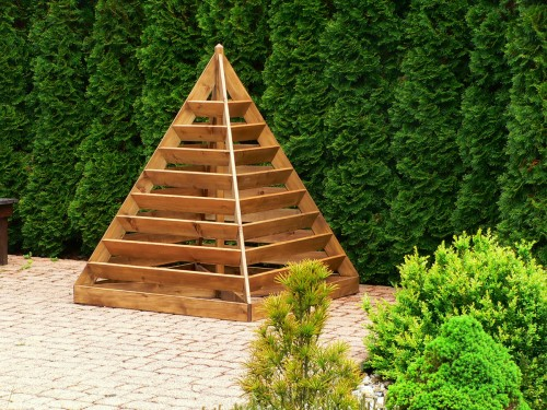 Pyramida na jahody a bylinky - HDB